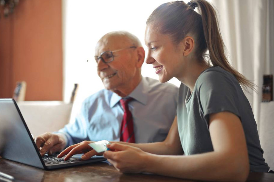 How to make money online for seniors